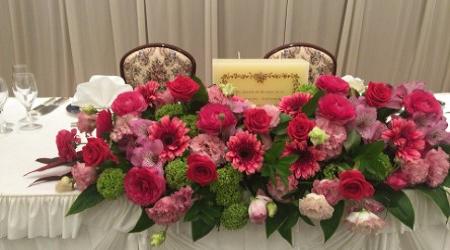 披露宴会場を装花 装飾でおしゃれに見せる秘訣 婚ラボ